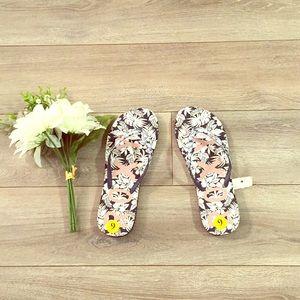 Roxy Flip Flops NWT